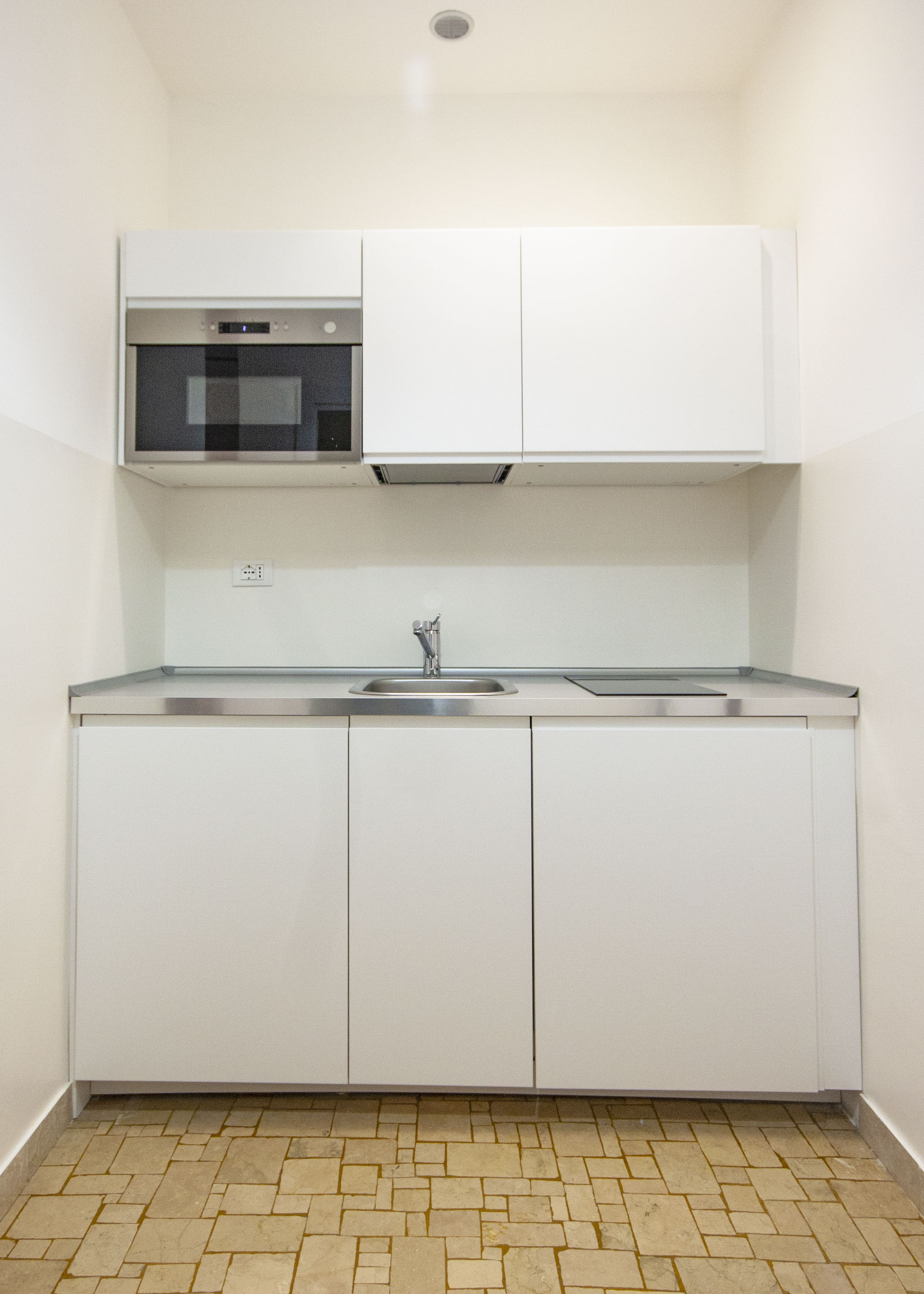 #35 // White Suite